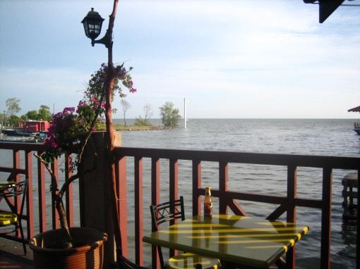 Ketika air laut pasang petang, aku snap gambar dari tempat makan